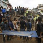 nepal-earthquake-rescuers-homepage 320x290